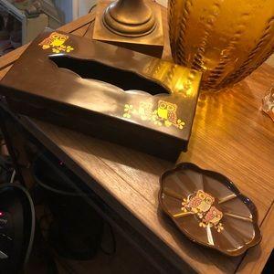 Vintage TISSUE BOX HOLDER w Soap Dish